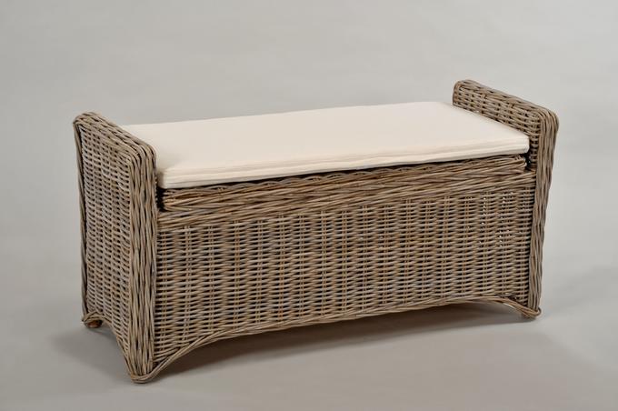 rattan truhe mit deckel und sitzegelegenheit grau inkl kissen home living room. Black Bedroom Furniture Sets. Home Design Ideas